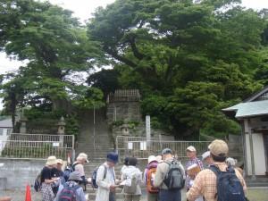六代御前の墓