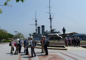 世界三大記念艦「三笠」と東郷平八郎の像